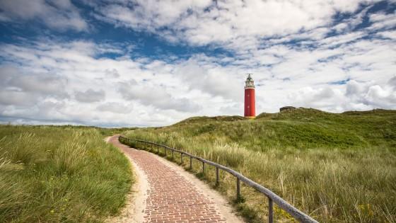 lighthouse-2396672_1280