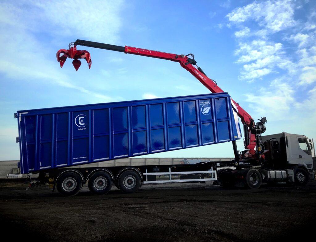 crane-mounted-on-tipper-semitrailer-marchesigru