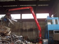 stationary-crane-for-recycling-custom-crane