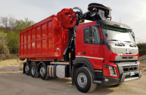 recycling_crane_on-tipper_truck