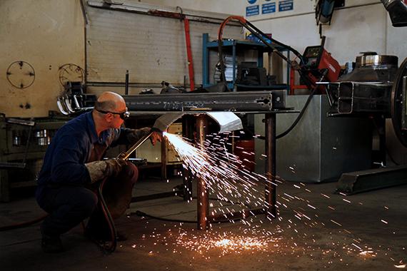 metalwork-truck-loader-cranes-manufacturers