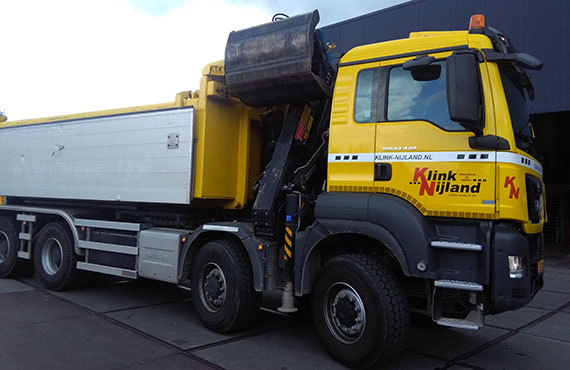 truck-mounted-construction-crane-for-inert-waste-collection-z-series