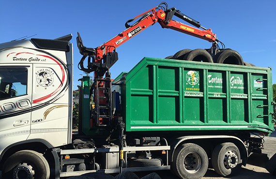crane-for-rubber-and-pneumatic-disposal-r-series