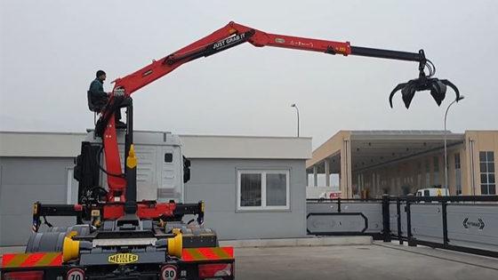 M12RS 01.87-allestimento Danesi Allestimenti-gru da camion-allestimento gru-gru per camion- gru per autocarro- caricatore allestito su IVECO