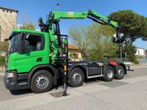 Grúa para reciclaje y chatarra montada en camión SCANIA