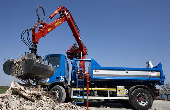 R_Series_Construction_Crane