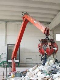 stationary-crane-for-heavy-duty-applications
