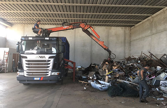 grab-loader-for-recycling-r-series